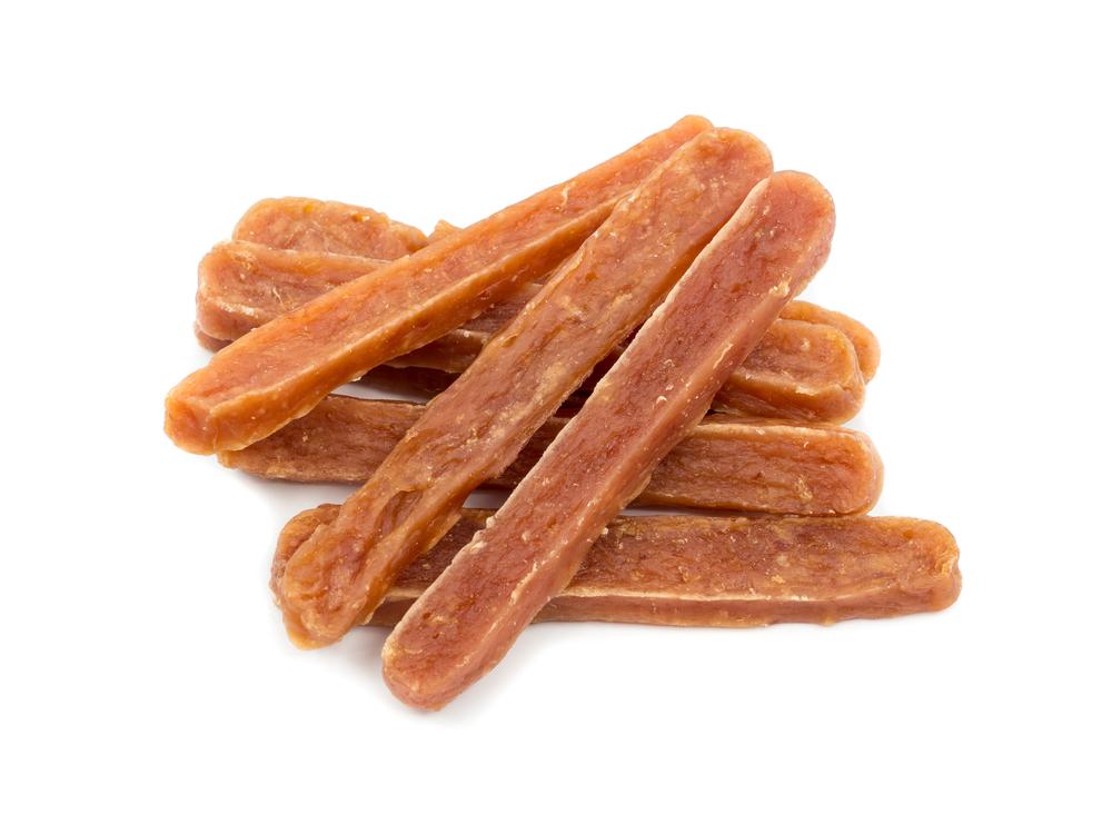 Kawałki mięsa w formie paseczków, idealne przysmaki dla wybrednych psów
